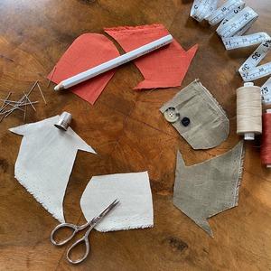 A vos marques. Prêts. Créez ! ♻️ Parce qu'être une marque responsable, c'est aussi s'adapter afin utiliser ses ressources à 100% dans un objectif zéro gaspillage, vous pourrez, dès lundi, acheter votre coupe de tissu en Lin ZYGA 100% certifié European Flax et Oeko-Tex. Jusque-là utilisés pour produire les pochons qui protègent vos achats en ligne dans nos colis, des écharpes et tote-bags, le coupons ZYGA sont les surplus de tissu restant une fois la production de nos collections achevée.   -- 🇬🇧  On your marks. Get Set. Create. ♻️ Because being a responsible brand also implies to adapt in order to use our resources to the fullest with a zero waste aim, you can buy from Monday on your Linen cut of ZYGA 100% certified European Flax and Oeko-Tex Fabric. Until now used to produce the dust-bags that protect your online purchases during delivery, scarves and tote-bags, ZYGA coupons are the fabrics remaining once the production of our collections is completed.  #Couture #CousuMain #DIY #PassionCouture #HandmadeWithLove #SewingAddict #Upcycling #Recycling #ModeMaison #PatronCouture #ZeroWasteDIY #DIYZeroDechet #GreenDIY