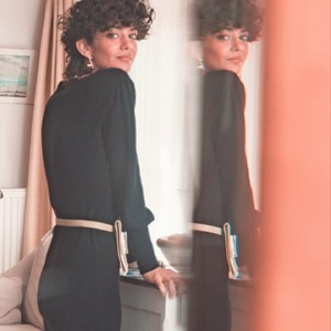 Vous allez adorer vous regarder dans le miroir... Rina c'est la robe hyper féminine qui épousera parfaitement votre silhouette. Dites lui OUI !  --- 🇬🇧   You will enjoy staring at yourself in the miror... Rina is the super feminine dress that emphasize perfectly your silhouette. Just say YES!   #ZYGAParis #RobeTube #YestotheDress #ColdAutumn #LookResponsable #SoftWool