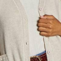 CHAUD ET CHALEUREUX   Pour rehausser un look décontracté en un clin d'œil, nos pulls tout doux  à enfiler ou à boutonner sont parfaits pour ajouter couleur et texture à vos tenues casual ou de soirée.   Découvrez notre sélection de pulls douillets, chauds et réconfortants pour accueillir l'hiver et les températures plus fraîches avec le sourire et avec style sur ZYGA.fr   -- 🇬🇧  WARM AND HEARTWARMING  To enhance a casual look in a second, our soft sweaters to put on or to button up are the perfect add to bring color and texture to your casual or party outfits.  Check out our selection of soft, warm and heartwarming sweaters to welcome winter and cooler temperatures with a smile and in style on ZYGA.fr  #ZYGAParis #NewCollection #FallWinter #AutomneHiver #FW2122 #KnitwearLovers #FallFashion #SustainableFashion #ModeDurable #Laine #Ecoresponsable #ConsciousFashion  #WoolySweater #SweaterWeather #WarmAndCosy #SavoirFaire #ModeEcoResponsable #NaturalWool #MatieresNaturelles #Nuage